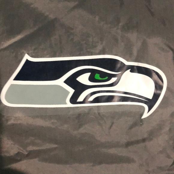 best service 42598 a45f4 Seattle Seahawks Waterproof Stadium Jacket NWT
